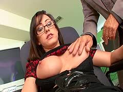 Sexgeile Tippse Jennifer White von Dirty Harry begrapscht